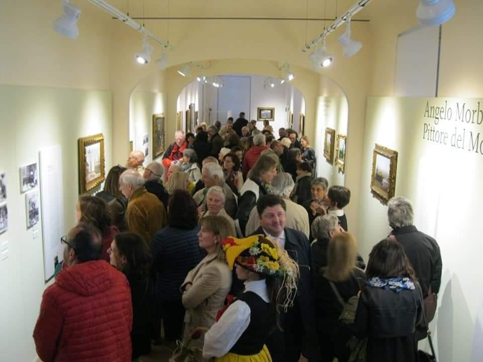 Folla all'inaugurazione mostra Morbelli