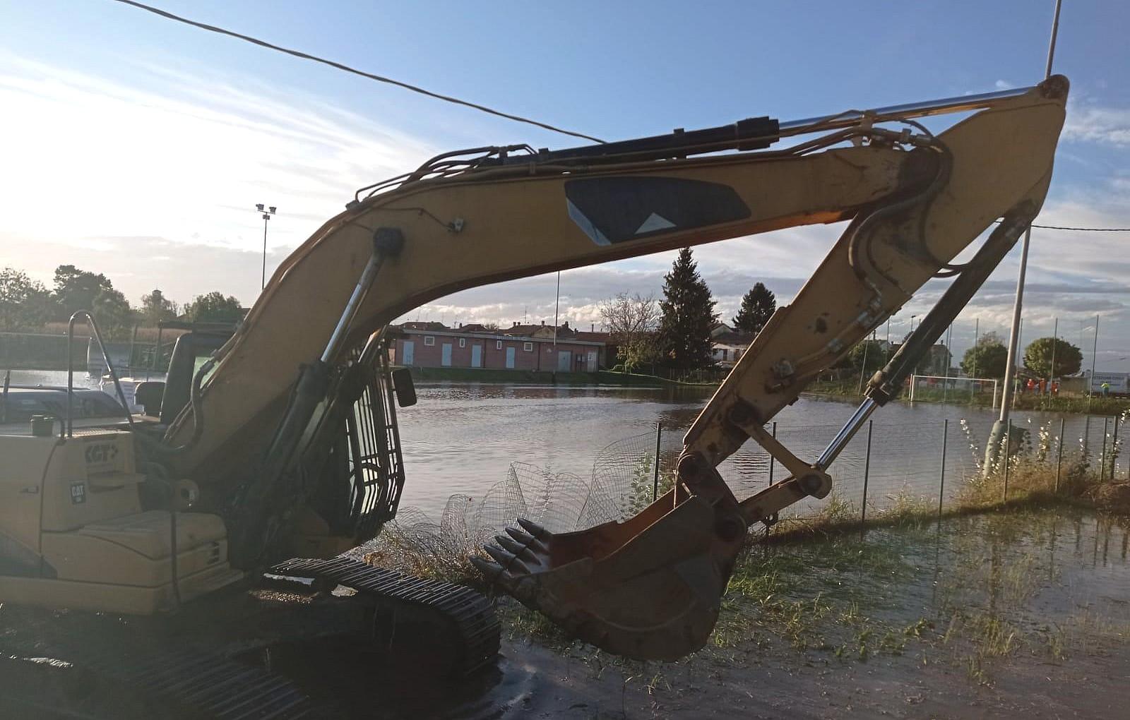 uno dei mezzi impegnati a Terranova durante l'emergenza