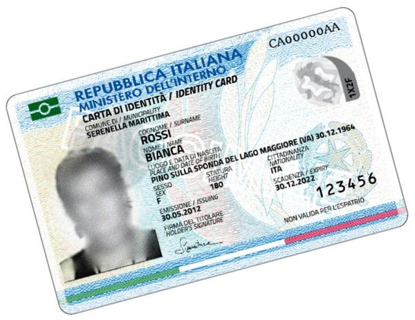 una carta d'identità elettronica