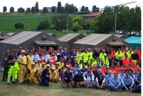 foto di gruppo protezione civile