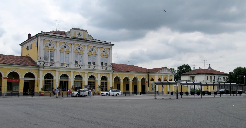 la stazione ferroviaria di Casale Monferrato