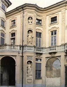 Palazzo Treville (cortile)