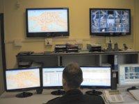 foto interno sala operativa polizia locale