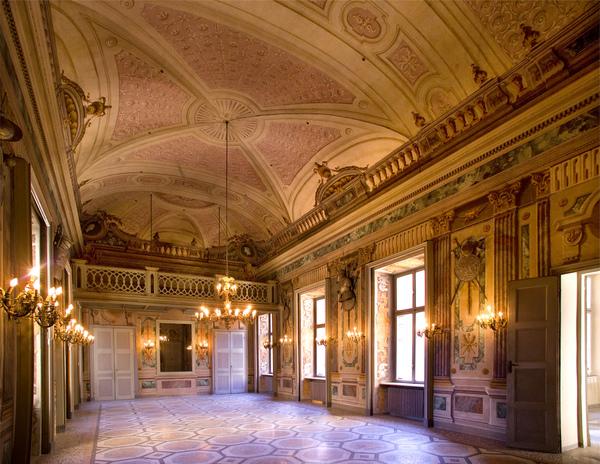 interno di palazzo vitta